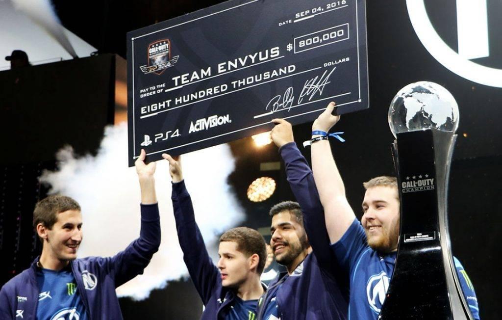 Team EnVyUs gewinnt gegen Splyce die Call of Duty Championships auf der CoDXP 2016 in Los Angeles! Herzlichen Glückwunsch!